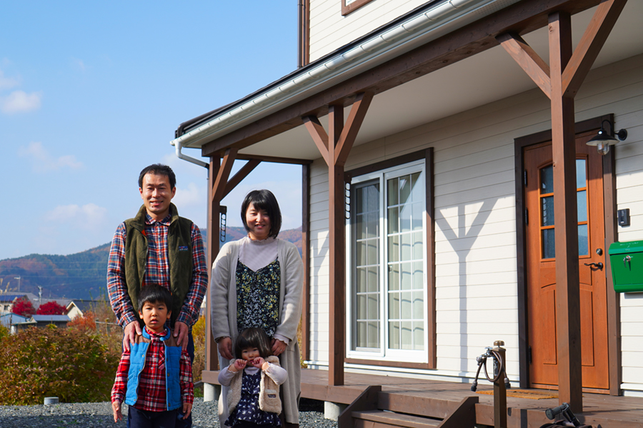 写真: 遠野で暮らす家族